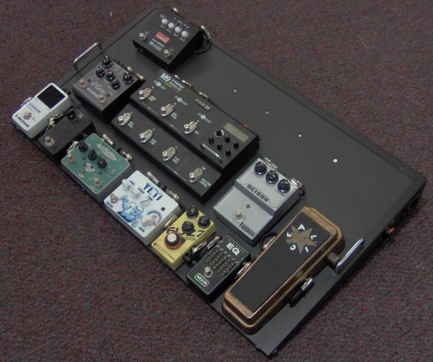 brain-ray-pedalboard-gear-paul-maccartney.jpg